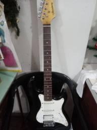 Guitarra Strinberg preto e branca seminova