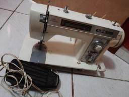 vendo máquina de costura está parada