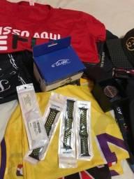 Título do anúncio: Camisas, relógio, bonés e acessórios LEIA