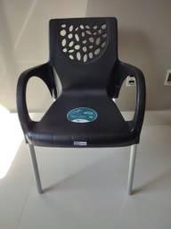 Cadeiras nunca usadas