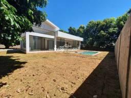 Título do anúncio: Linda casa com 4 suites e piscina - Pres. Prudente/SP