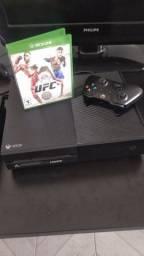 Xbox one fat 500gb bem conservado 1 controle e 1 jogo