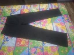 Calça preta 44 novinha