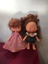 Duas bonecas Moranguinho
