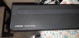 Soundbar Samsung Harman Kardon com 5.1 Canais, 360W e Subwoofer Sem Fio HW-Q60R/ZD