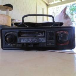 Rádio toca fitas Motoradio para carros antigos fusca