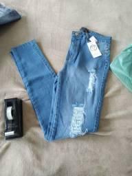 Promoção de calças jeans