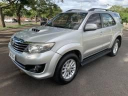 Toyota Hilux SW4 12/13 SRV 4x4 turbo diesel R$ 112.000,00