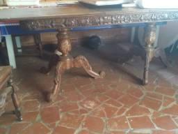 Mesa estilo colonial com 6 cadeiras