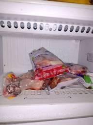 Vendo uma geladeira marca Dako