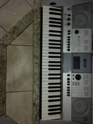 Teclado Yamaha E 413