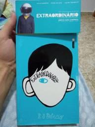 """Livro """"Extraordinário"""" semi-novo"""