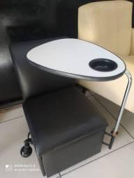 Longarina com cadeira de manicure R$550