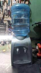 Bebedor refrigerado com galão,,água gelada e natural