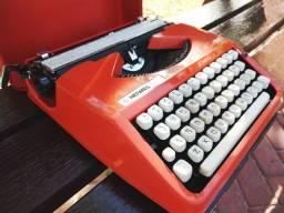 A mais querida na decada de 60 Maquina de datilografia antiga - antiguidade