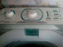 Vendo uma máquina de lavar Eletrolux turbo semi nova 8.0 kg