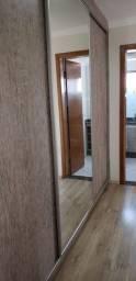 Apartamento com suite no centro de Cambé