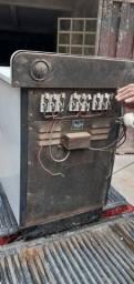 2 fogões antigos elétricos  funcionando perfeitamente  1 de 3 eooutro  de 4 bocas