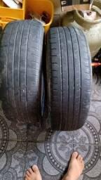 Vendo esses dois pneus meia vida roda  16 ,205 60 16