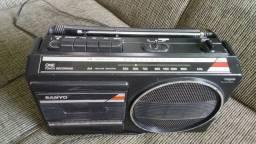 Rádio gravador sanyo