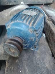 Motor trifásico 3cv potência baixa rotação.