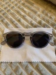 Óculos de Sol Armação Transparente