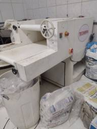 Título do anúncio: Assistência máquinas de padaria