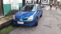 Carro Renault<br>clio hath <br>básico <br>carro econômico