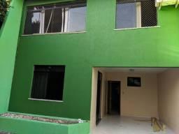 Duplex 4/4 com 3 garagens no Brasília