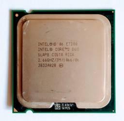 Processador Core 2 duo E7300.<br>Frequência processador 2.66 GHz<br>3 MB L2 Cache