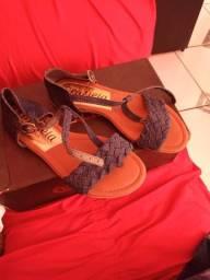 Sapato social número 43 e sandália 37