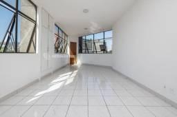 Oportunidade ! Excelente sala, ampla clara e arejada. Região hospitalar