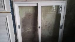 2 janela uma 1.24x1.33 outra janela maxilar 98x63 porta79