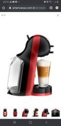 Título do anúncio: Cafeteira Expresso Arno Dolce Gusto Mini Me Preta e Vermelha 127v<br><br>