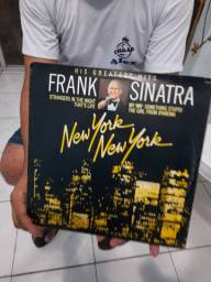 LP Frank Sinatra raríssimo - R$ 200,00