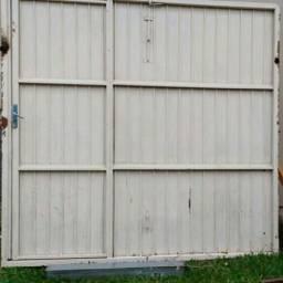 Porta de ferro para garagem