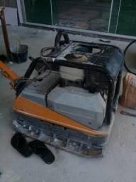 Vende se uma máquina compactadora