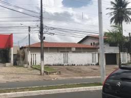 Casa com lote com ótima localização, Cód: CA00013