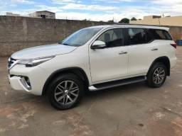 Toyota Hilux SW4 SRX 2.8 2016 - 2016
