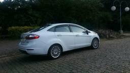 New Fiesta titanium sedan - 2014