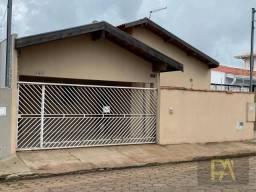 Casa com 3 dormitórios à venda, 117 m² por R$ 330.000,00 - Vila Santa Izabel - Avaré/SP