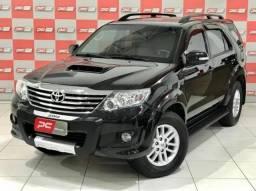 Toyota Hilux Sw4 SRV 7 LUGARES - BLINDADA 4P