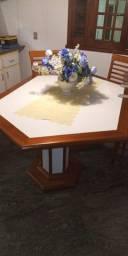 Mesa de mogno e fórmica