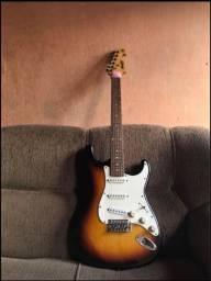 Guitarra memphis mg32 + cubo condo x10