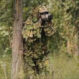 Roupa de caça camuflada