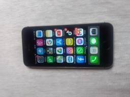 iPhone 5s na caixa