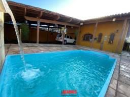 Belísima casa perto da praia de Jacaraípe, 4 qts com 2 suítes, piscina e hidromassagem!