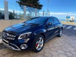 Mercedes Benz GLA 200 em perfeito estado