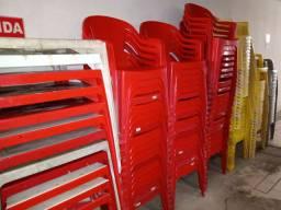 Mesas e cadeiras plásticas e coisas para bar lanchonete