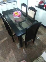 Mesa modelo novo super conservada